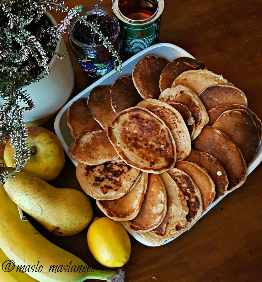 Orkiszowe pancakes zserem